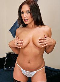 Zoe Britton - XXX Pornstar
