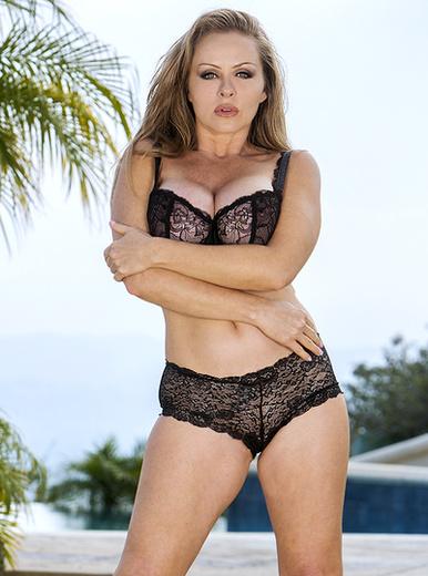 Dyanna Lauren - XXX Pornstar